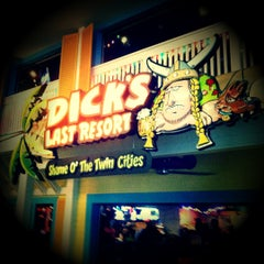 Photo taken at Dick's Last Resort by Ian F. on 2/26/2012