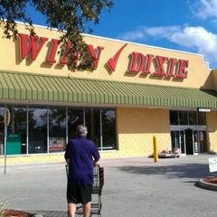 Photo taken at Winn-Dixie by Toni S. on 12/15/2011