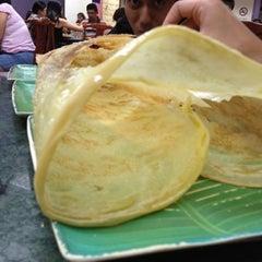 Photo taken at Restoran Original Penang Kayu Nasi Kandar by Samsam on 8/4/2012