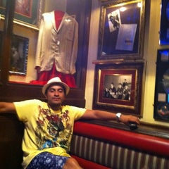 Photo taken at Hard Rock Cafe Cozumel by Luis A. on 7/30/2011