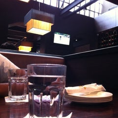 Photo taken at California Pizza Kitchen by Sham R. on 8/5/2011