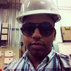 Photo taken at J.Crew Factory by Elan R. on 8/24/2012