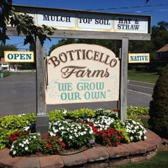 Photo taken at Botticello Farms by EdzizleMizzle on 8/29/2012