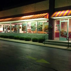 Photo taken at Dunkin Donuts / Baskin Robbins by Jeff B. on 9/11/2012