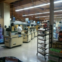 Photo taken at Lunds & Byerlys by Joe L. on 9/9/2011