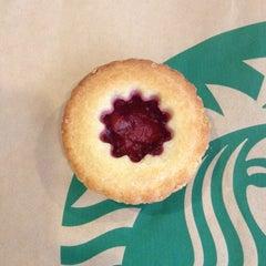 Photo taken at Starbucks by Priscella T. on 4/11/2012