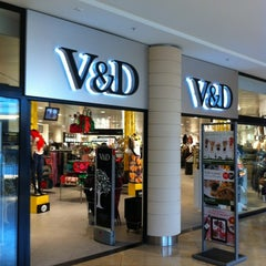 Photo taken at V&D by Dion d. on 5/4/2012