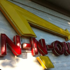 Photo taken at In-N-Out Burger by Jesse C. on 8/26/2012