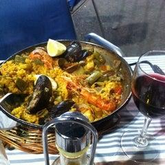Photo taken at Ateneu Gastronòmic by Rosa María Z. on 7/30/2012