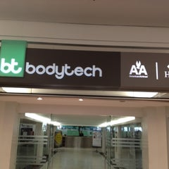 Photo taken at Bodytech by Clarisse A. on 9/2/2012