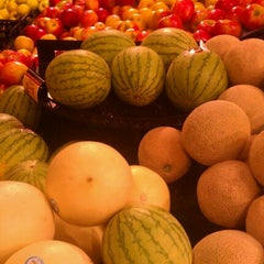 Photo taken at Kroger Food & Pharmacy by Paul H. on 9/6/2012
