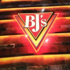 Photo taken at BJ's Restaurant and Brewhouse by Jeran A. on 6/30/2013