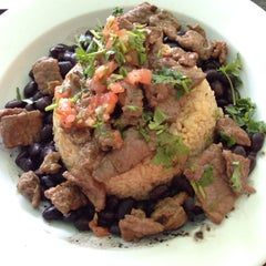 Photo taken at Wahoo's Fish Taco by Nina on 7/20/2014