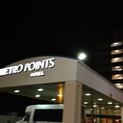 Photo taken at Metro Points Hotel Washington North by Gian U. on 10/9/2012