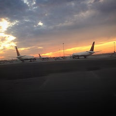 Photo taken at Delta Counter by Joseguillermo on 10/22/2015