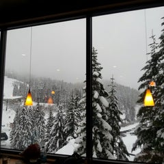 Photo taken at Foggy Goggle Bar & Grill (Stevens Pass) by T3 H. on 11/23/2012
