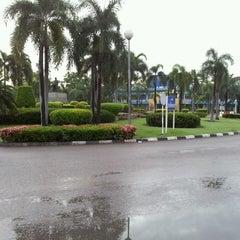 Photo taken at วงเวียน โรงพยาบาลศรีธัญญา by Rushy C. on 6/5/2013