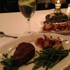 Photo taken at Morton's Steakhouse by Mary C. on 7/4/2013