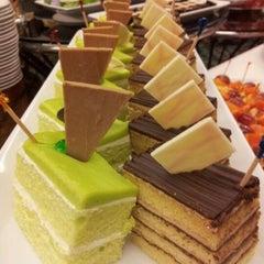 Photo taken at Chaophya Park Hotel (โรงแรมเจ้าพระยาปาร์ค) by TheRain C. on 1/20/2013