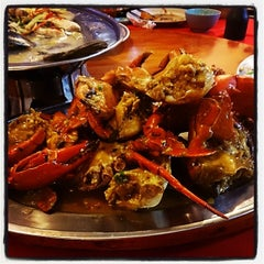 Photo taken at William's Crab Restaurant by Ahmad R. on 2/15/2014