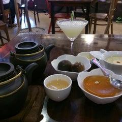 Photo taken at Purple Cane Tea House by Ian Wei Hean C. on 1/31/2015