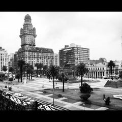 Photo taken at Plaza Independencia by Luciana A. on 12/6/2012