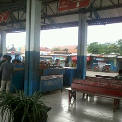 Photo taken at Terminal Bus Cilacap by Windu T. on 1/21/2013
