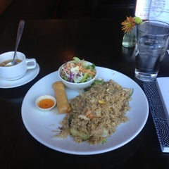 Photo taken at Street Side Thai Kitchen by Micheal S. on 10/27/2012