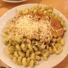 Photo taken at Noodles & Company by 🍸Níckolás . on 3/11/2013