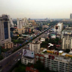 Photo taken at Novotel Bangkok Ploenchit Sukhumvit by Simon C. on 3/4/2013