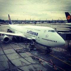 Photo taken at Lufthansa Flight LH 418 by Gregor S. on 11/27/2012
