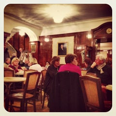 Photo taken at Cafe Tomaselli by Gregor S. on 12/18/2012