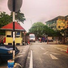 Photo taken at Pejabat Agama Islam Daerah Klang. Jln Kota(lokasi baru) by MAy R. on 9/4/2013