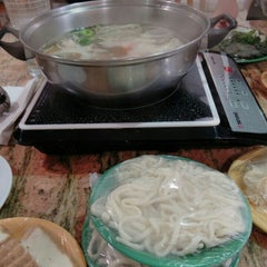 Photo taken at Hot Pot Heaven by Robby C. on 8/24/2015