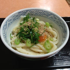 Photo taken at すなだ どんどん 箱崎T-CAT店 by Tomoya S. on 6/22/2013