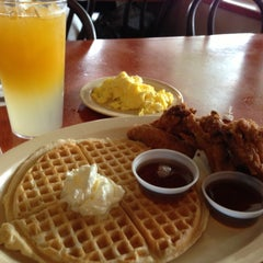 Photo taken at Roscoe's House of Chicken and Waffles by Brian H. on 4/29/2013