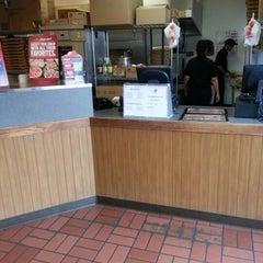 Photo taken at Pizza Hut by Richard T. on 11/18/2012