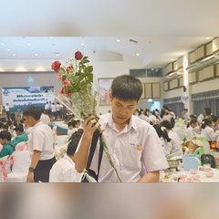 Photo taken at โรงเรียนสตรีสมุทรปราการ (Streesmutprakan School) by Kimeberinspirit on 3/29/2015