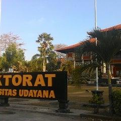 Photo taken at Rektorat Universitas Udayana by Dwi P. on 9/4/2014