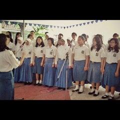 Photo taken at SMA Negeri 5 Surabaya by Detha P. on 5/20/2013