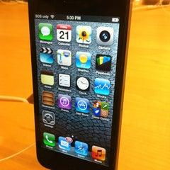 Photo taken at Apple Store, Chermside by Jenson L. on 9/21/2012