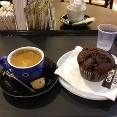Photo taken at Café do Ponto by Patricia K. on 11/3/2012