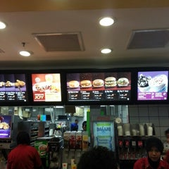 Photo taken at McDonald's Kota Bharu Mall by Nik S. on 12/25/2012