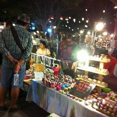Photo taken at Cicada Market (ซิเคด้า มาร์เก็ต) by Mayneeto M. on 12/29/2012