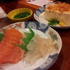 Photo taken at Fish Mart Sakuraya by Lizzy W. on 3/24/2013