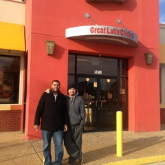 Photo taken at Pollo Campero by Irvin M. on 1/5/2013