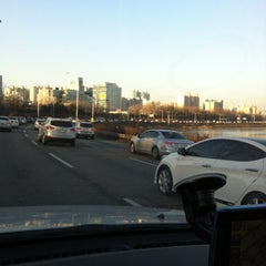 Photo taken at 동부간선도로 by Yunjin P. on 1/24/2013