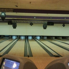 Photo taken at Diversey River Bowl by Kaybe on 4/29/2012