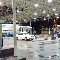 Photo taken at 7-Eleven by Mario T. on 9/30/2014