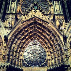 Photo taken at Cathédrale Notre-Dame de Reims by gaelic on 9/22/2012
